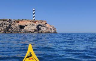 Foto desde kayak a faro Ibiza